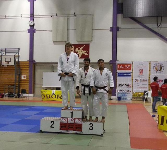 Batra_podium Elite + 90kg